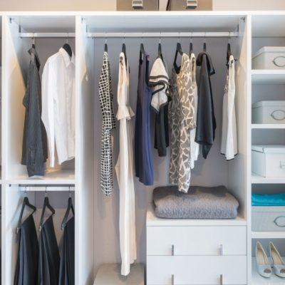 Jak zaaranżować garderobę czyli sposób na odzieżowy chaos